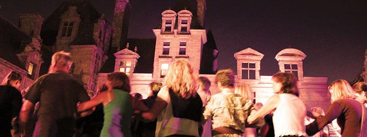 GRAND FEST-NOZ, le 23 juillet au Château de Kerjean