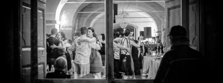 PHOTOGRAPHIER LE TANGO, exposition temporaire à partir du 8 août au Manoir de Kernault