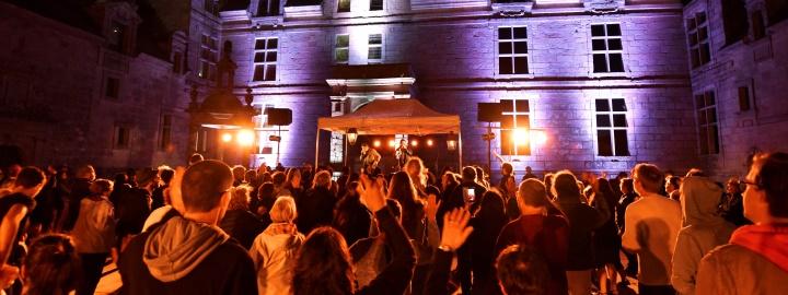 GRAND FEST-NOZ, jeudi 26 juillet au Château de Kerjean